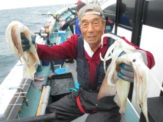 イカも大きく釣り応えバッチリ!